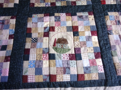 Kath & Andy's quilt + cushion 011x400.JPG